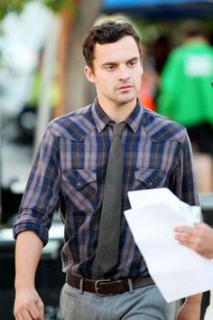 Mark Jake Johnson NEEDS to be with Zooey Deschanel.