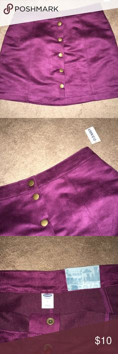 Maroon Skirt 🍒 New w/ tags maroon/wine skirt from Old Navy 🍒 perf for fall girl 🍒 Old Navy Skirts Mini