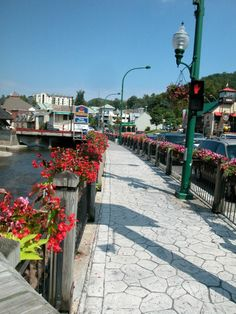 1000 images about gatlinburg pigeon forge on pinterest for Mountain flower cabin pigeon forge