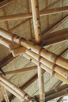 Millennium School Bamboo Project - Design Other Network Bamboo Roof, Bamboo Art, Bamboo Crafts, Bamboo Building, Natural Building, Bamboo House Design, Bamboo Structure, Bamboo Construction, Bamboo Architecture