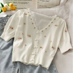 Teen Fashion Outfits, Mode Outfits, Cute Fashion, Girl Outfits, Cute Casual Outfits, Pretty Outfits, Tops Vintage, Cardigan Shirt, Floral Cardigan