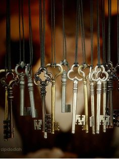 bassfenderguy: Love old keys….A wind chime would be a cool...