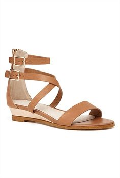 Witchery, Henrietta - love the little wedge. On Shoes, Me Too Shoes, Christmas Competitions, Latest Fashion For Women, Womens Fashion, Simply Fashion, Carrie Bradshaw, Fashion Pictures, Gladiator Sandals