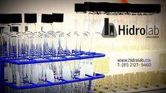 ANÁLISIS DE LABORATORIO Pruebas de Tratabilidad de laboratorio aplicables a la industria y a los profesionales del tratamiento ofrecidas por Hidrolab: Pruebas físico químicas o pruebas de jarras para dosis y tipos de coagulantes gradientes de velocidad de floculación curvas de sedimentación y de tasas de filtración. Pruebas biológicas para tratamiento de efluentes del tipo aeróbicas y anaeróbicas. Pruebas de estabilización de lodos por digestión aerobia y anaerobia y por aplicación de cal…