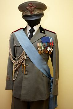 Model 1934 Royal Italian Army generals and marshals' parade dress uniform.