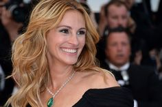 "Julia Roberts named world's most beautiful woman again: ""I think I'm currently peaking"""