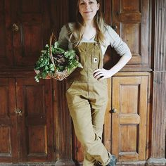 Milli Proust (@milliproust) • Instagram photos and videos Seasonal Flowers, Grow Your Own, Get Over It, The One, Harvest, Khaki Pants, Photo And Video, Big, Green