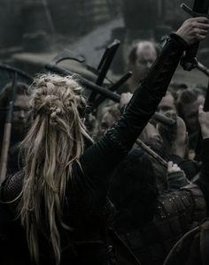 """ Vikings edits Stills~ Ⓒ ♕ ℰarl ℐngstad ℒ a g e r t h a "" - Modern Story Inspiration, Writing Inspiration, Character Inspiration, Photoshoot Inspiration, Storyboard, Vikings, High Fantasy, Fantasy World, Legolas"