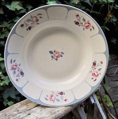 French Vintage large deep dish DIGOIN Sarreguemines Ninette // Round Ceramic Serving Dish // French Vintage Kitchen // 1940's decor