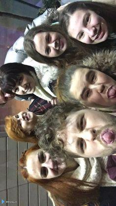 Jay com fãs em Manchester, na Inglaterra. (via @Ainsley_D) (30 jan.)
