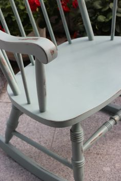Painted Rocking chair with Annie Sloan Chalk Paint - Distressing Tutorial Annie Sloan Chalk Paint Distressing, Painted Rocking Chairs, Using Chalk Paint, Local Thrift Stores, Duck Egg Blue, Painted Furniture, Thrifting, Dining Chairs, Shabby Chic