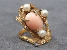 YELLOW GOLD (TESTS 14K) ANGEL SKIN CORAL RING : Lot 45