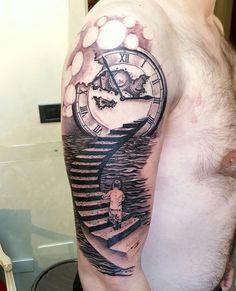Il tempo di una vita... #alexnardini #alextattoo #tattooplanet #tattoo #blackandgrey #clock #clocktattoo #tatuaggioorologio macchinette per sfumature Electra by Lauro Paolini Tattoo Supply