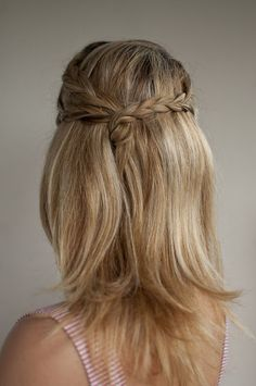 Great idea for a wedding I'm attending.  Thinking curl the hair first.