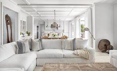 Beach house de estilo Hamptons en Amagansett, New York Quinta Interior, Home Interior, Interior Design, Interior Colors, Modern Interior, Coastal Interior, Interior Shop, Brown Interior, Bathroom Interior