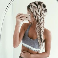 In the hairstyle department, braids are king. Whether you're a fan of the French braid or dig braided buns, pretty plaits hold a place of prestige in every girl Cool Braid Hairstyles, African Hairstyles, Pretty Hairstyles, Double French Braids, Mermaid Braid, Top Braid, Second Day Hairstyles, Hair Romance, Hair Game