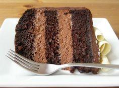 Recheio de Chocolate para Bolo - Mousse - Veja como fazer em: http://cybercook.com.br/recheio-de-chocolate-para-bolo-r-12-58993.html?pinterest-rec