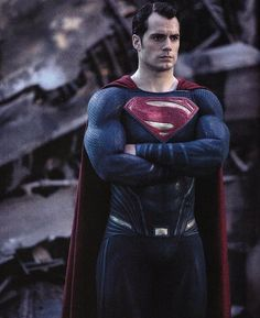 Supes looking as fierce as ever in this new image from the #BatmanvSuperman official magazine via @SergioEES. The film is about to cross the $300M mark in the next few days.  Don't miss it in #IMAX. @HenryCavill #Superman #ManofSteel #ClarkKent #DawnofJustice #JusticeLeague #HenryCavill  @WBPictures