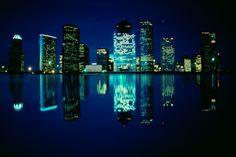 Houston es considerada una de las ciudades más importantes de Estados Unidos. Es la cuarta ciudad más poblada de este país y esta llena de atractivos turísticos para visitar. Elija su hotel en Houston y comience a planificar su viaje.