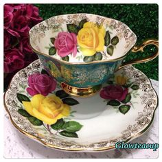 Turquoise Royal Albert with pink and yellow roses, gold gilded @ 1870 k. #teacup #teacupcollector #teacupandsaucer #teacupandsaucerjakarta #teacupandsaucerindonesia #teacupaddict #teacuplovers #teacuploverindonesia #vintage #vintagelovers #vintagecollector #vintagejakarta #vintageindonesia #hightea #bonechina #glowteacup