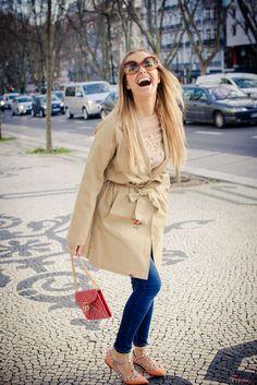 Daily Cristina | Fashion | Cristina Ferreira Look | Colcci Jeans | Endless Rose Shirt and Trench | Valentino shoes | Gucci bag | Missoni Glasses