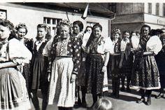 rok 1946 květen průvod History