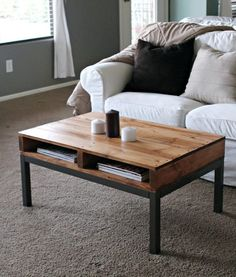Coffee Table made from Pallet Boards... Great DYI idea