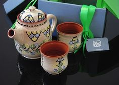 This is a carefully and beautifully packed in a box, ready luxury set of Kashubian ceramics. The Kashubian ceramics, manufactured in a family workshop, that has preserved the pottery making traditions over ten generations.