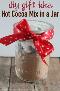 Need an easy DIY gift idea? Try this hot cocoa mix in a jar for a sure hit!