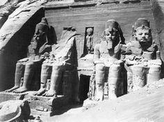 abu simbel 1966 | Welches berühmte Bauwerk wurde wegen der Flutung des Assuan-Staudamms ...