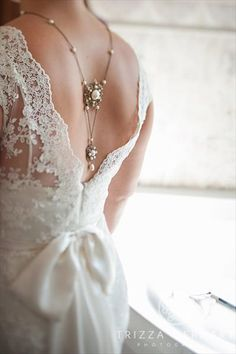 Bridal backdrop necklace Wedding necklace Bridal by Bridal Backdrop Necklace, Bridal Necklace, Bridal Jewelry, Wedding Necklaces, Back Necklace, Necklace Ideas, Pearl Necklace, Open Back Wedding Dress, Foto Fashion