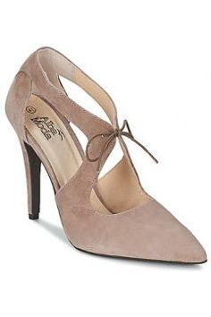 İskarpin ayakkabılar Alba Moda CLOUDEKA https://modasto.com/alba-moda/kadin-ayakkabi/br31702ct13 #modasto #giyim