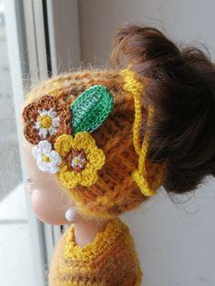 Вязаная шапочка крючком для куклы Паола Рейна Doll Clothes, Crochet Hats, Beanie, Dolls, Fashion, Moda, La Mode, Puppet, Doll