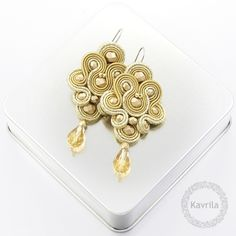Shop Etsy, the place to express your creativity through the buying and selling of handmade and vintage goods. Tutorial Soutache, Biscuit, Soutache Earrings, Dark Beige, My Precious, Shibori, Statement Jewelry, Projects To Try, Diy Crafts