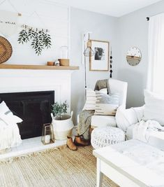Nice 110 Beautiful Modern Farmhouse Living Room Decor Ideas https://moodecor.co/672-110-beautiful-modern-farmhouse-living-room-decor-ideas/