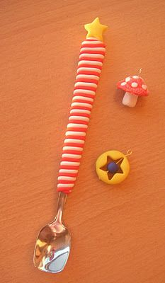 fimo covered spoon  http://modelmakeandmend.blogspot.com/2011/12/christmas-crafting-bonanza.html