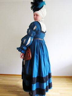 16th century German dress - 133 with instructions on proper eyelets and cartridge pleating.