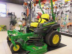 John Deere  Z915B Zero turn mower
