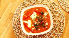 Zupa krem pomidorowa z czosnkiem i mozzarellą