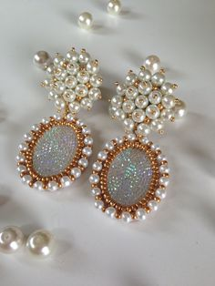 Aretes perlas embroidery