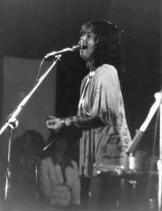 Introduction to Yvonne Elliman https://mentalitch.com/introduction-to-yvonne-elliman/