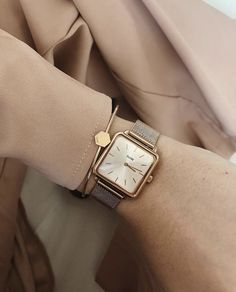 Points to consider Before Acquiring a New Wristwatch - Perfect Watches Jewelry Shop, Jewelry Accessories, Fashion Accessories, Jewellery, Women Jewelry, Lean Muscle Workout Plan, Latest Women Watches, Style Parisienne, Beautiful Watches