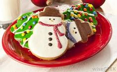 Christmas is a time when we think of family get-togethers and abundance. It is memory lane for most of us, enjoying friends, memorable . Snowman Cookies, Fun Cookies, Sugar Cookies, Decorated Cookies, Christmas Treats, Christmas Baking, Christmas Cookies, Christmas Foods, Holiday Foods