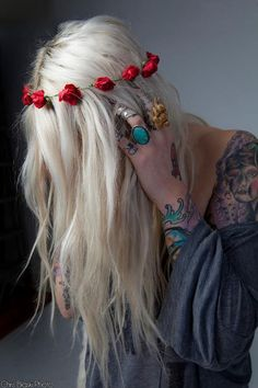 Red rose flower crown, blonde hair, turquoise rings, style.