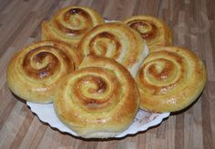Слойки с сыром из слоеного теста http://mega-povar.ru/slojki-s-syrom-iz-sloenogo-testa/  #мегаповар #кулинария #кухня #рецепт #еда