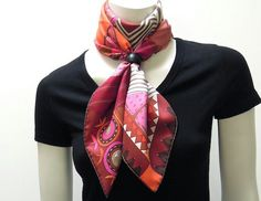 Hermes scarf knot with scarf ring