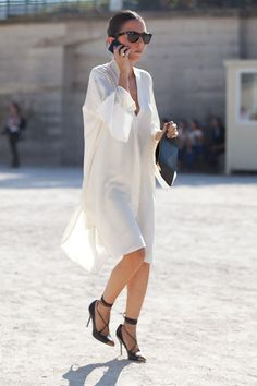 We have the best fashion and street style how to's and tips at http://dropdeadgorgeousdaily.com/2015/06/lfw-street-style/