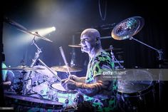 Nachrichtenfoto : Russell Gilbrook of Uriah Heep performs on stage...