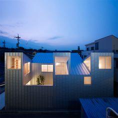 Tomohiro Hata Architect and Associates