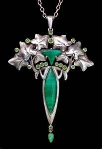 henri vever jewelry. the combination of ivy and green gems ......perfect!!TGS